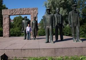 1978 restes denna skulptur, De röda fångarna som gjorts av skulptören Erkki Kannosto. Foto: Susanna Alakoski